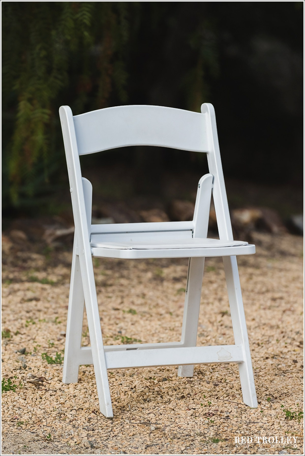 White resin folding chairs - White Resin Folding Chair